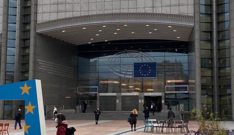 """Quel cinguettìo """"Deal"""" sul Recovery Fund e la sfida dell'Italia: quasi 210 miliardi in arrivo dall'Europa. Riusciremo a utilizzarli al meglio?"""