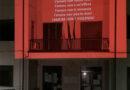 Il Comune di Casalvecchio di Puglia si illumina di rosso contro la violenza di genere