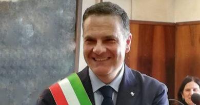 Emergenza Covid, il sindaco di San Severo, Francesco Miglio, dispone la sospensione delle attività didattiche in presenza delle scuole dell'infanzia (pubbliche, paritarie e private), delle scuole primarie e delle scuole secondarie di I grado, pubbliche e paritarie